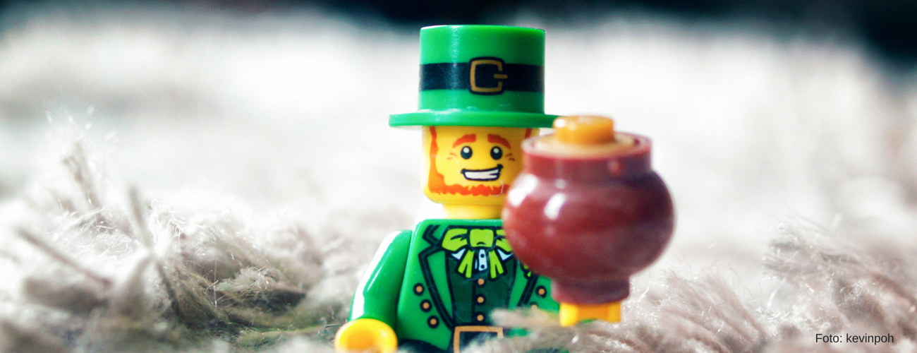 Fondo-St-Patrick-Lego